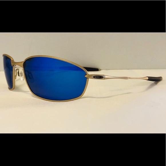 3a1a69700a Polarized Blue Mirrored Oakley Whisker Sunglasses.  M 5b46ad5945c8b3e2f1ed246f